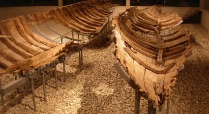Oberstimm-Schiffe im kelten römer museum Manching (Foto: W. David)